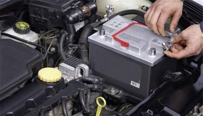 نگهدارنده باتری خودرو