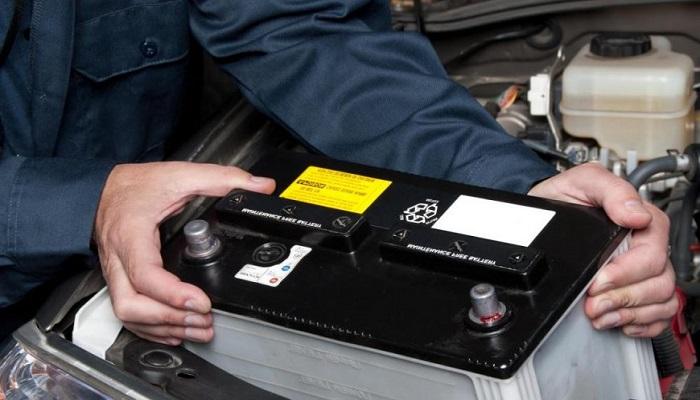 زمان تعویض باتری ماشین